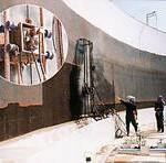 タンク内壁剥離作業